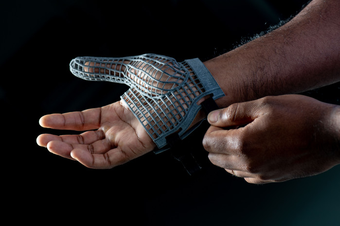 A safe pair of hands for workers with Jaguar Land Rover's new 3D-Printed glove