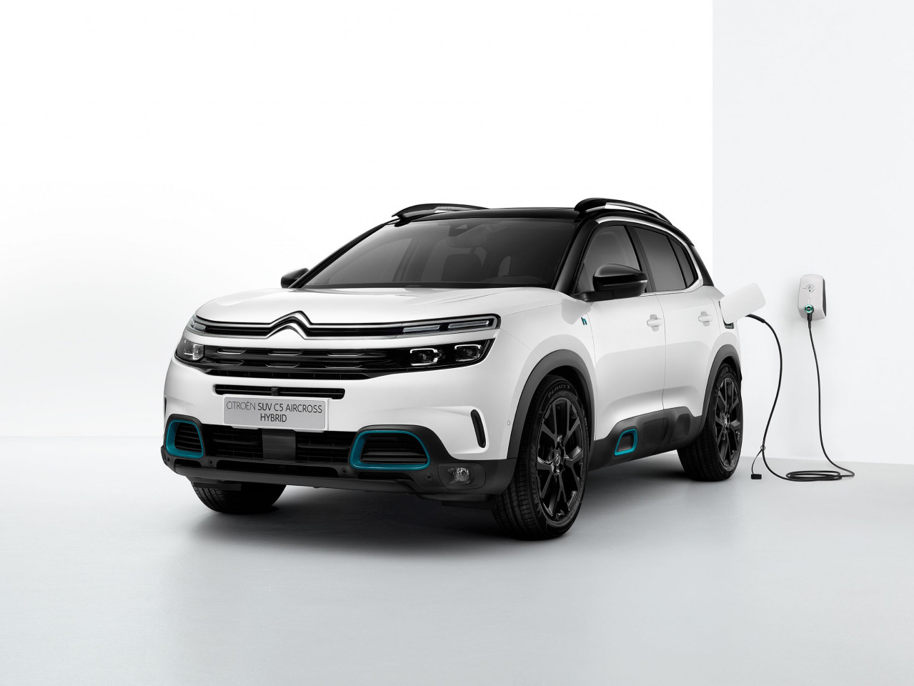 World premiere of the new C5 Aircross SUV Hybrid at 2020 Brussels Motor Show