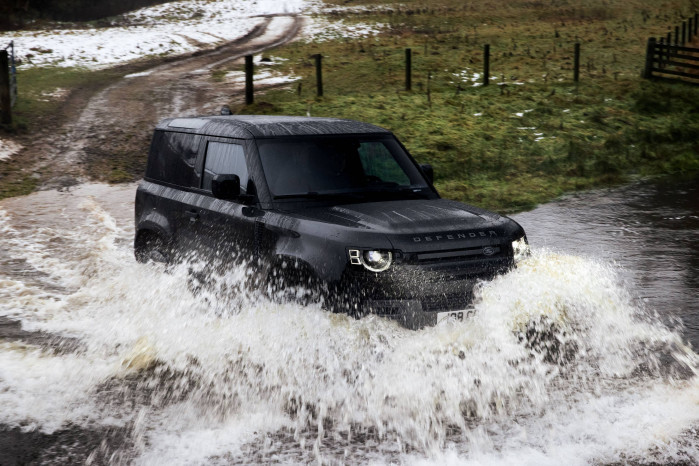 Land Rover add New V8 to Defender Engine Line Up