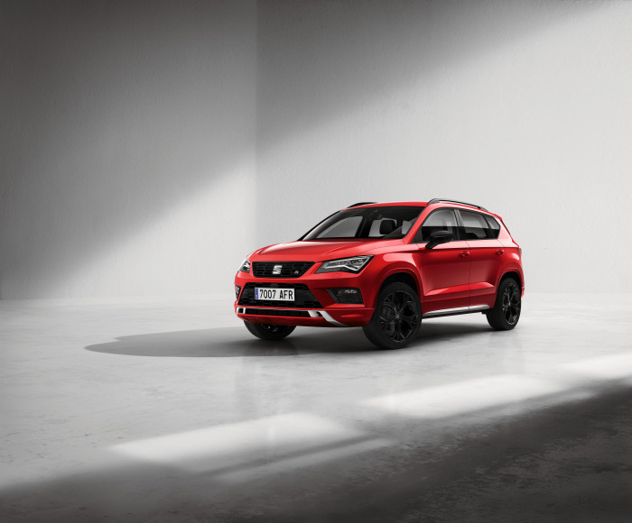 SEAT Ateca turns  to the dark side with special new Black Edition