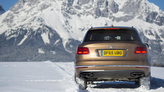 10 Performance Cars for Winter