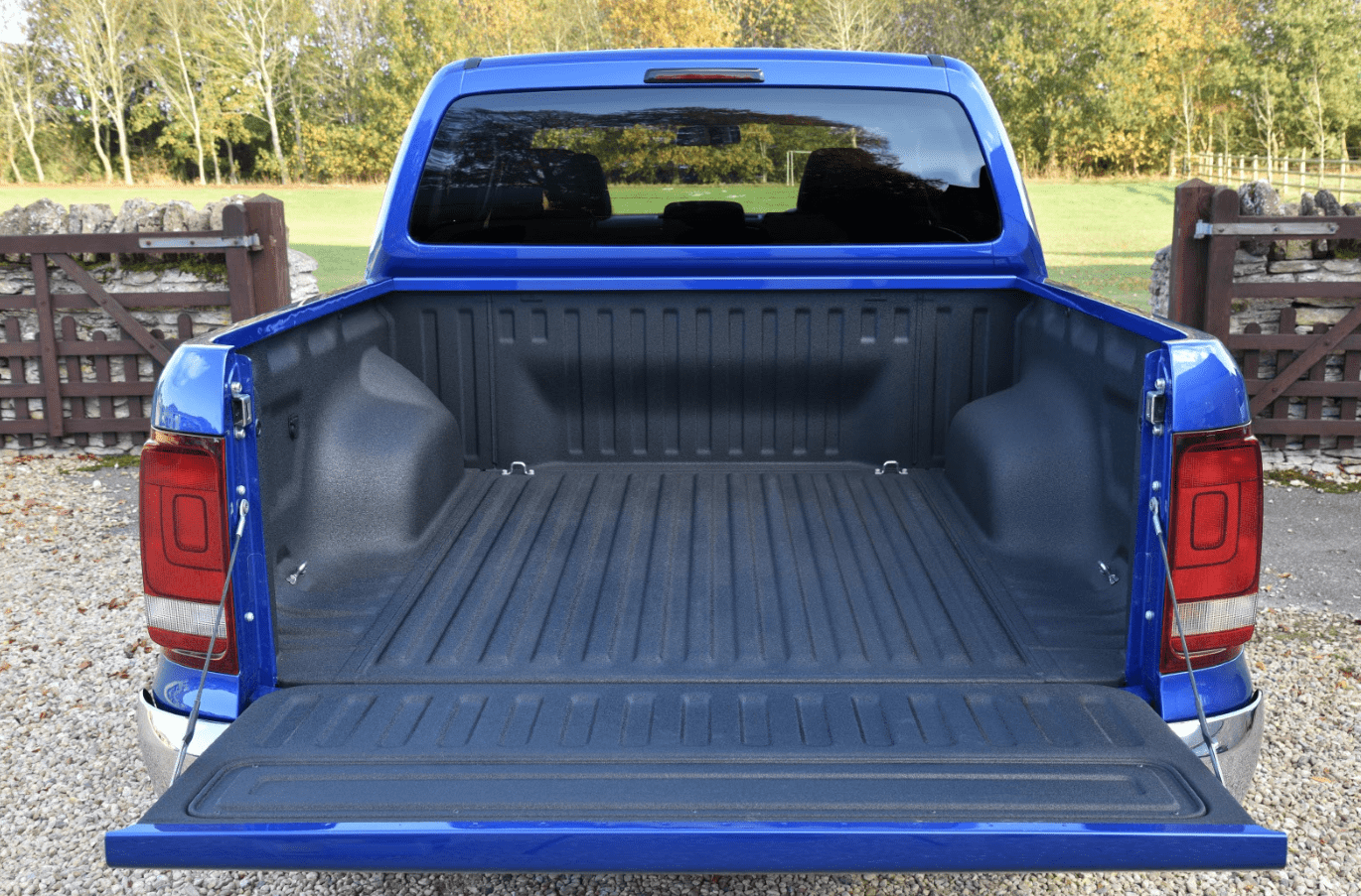 Rear load bed of a blue Volkswagen Amarok