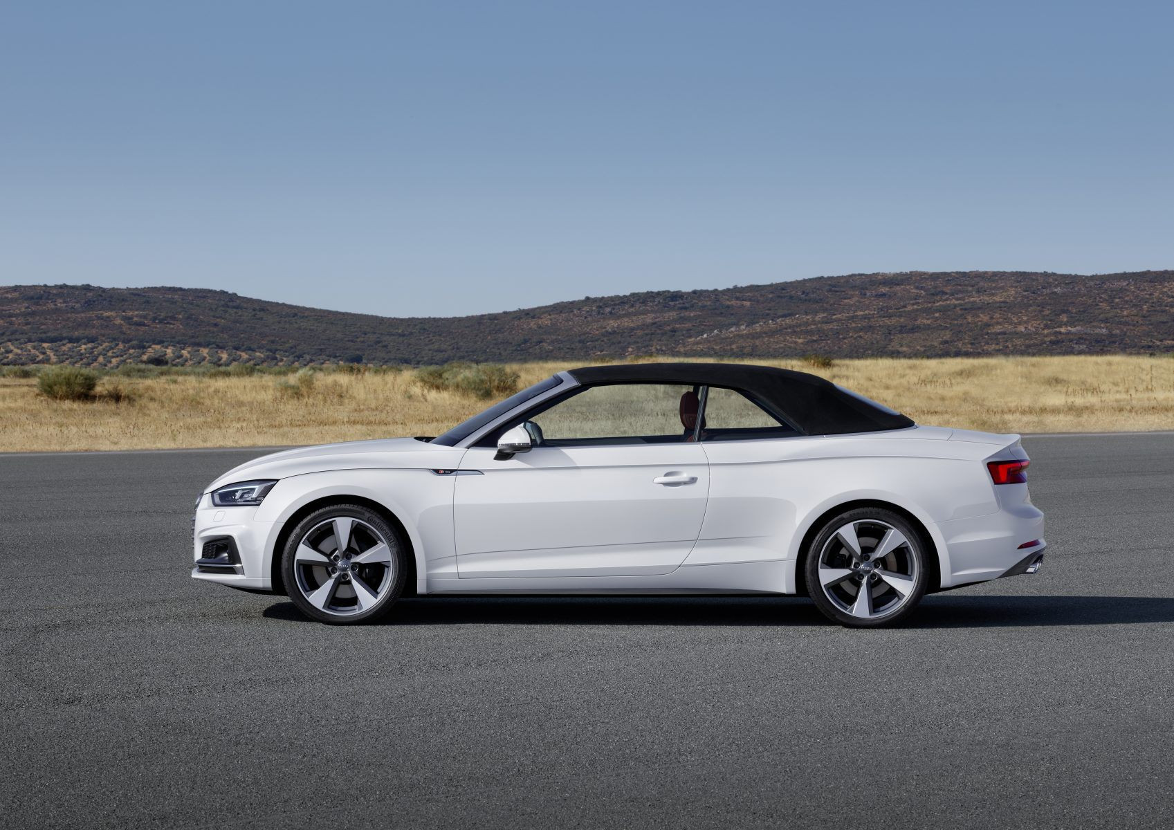 A5 Cabriolet in white