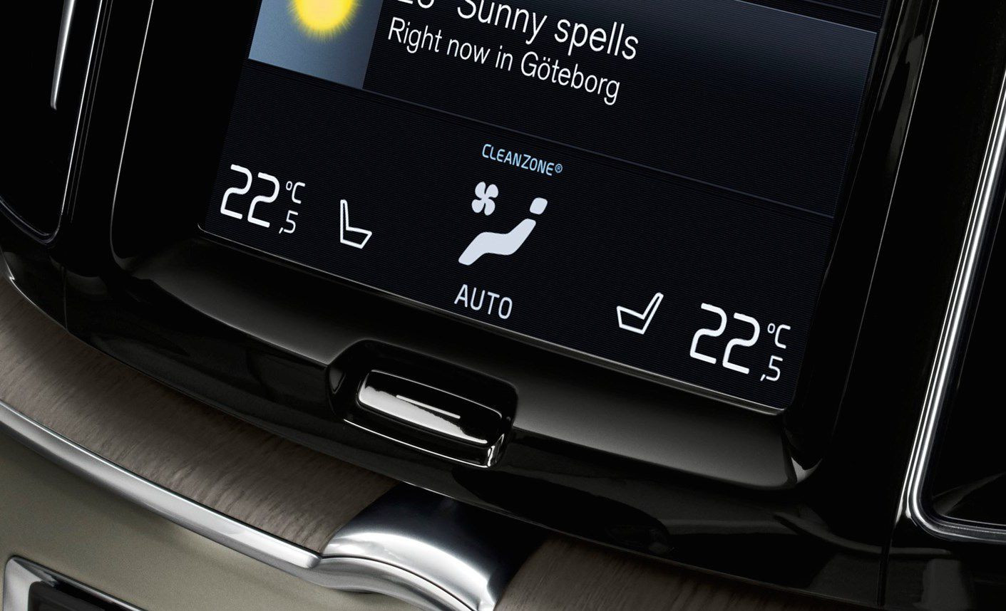 Display screen showing the climate control settings