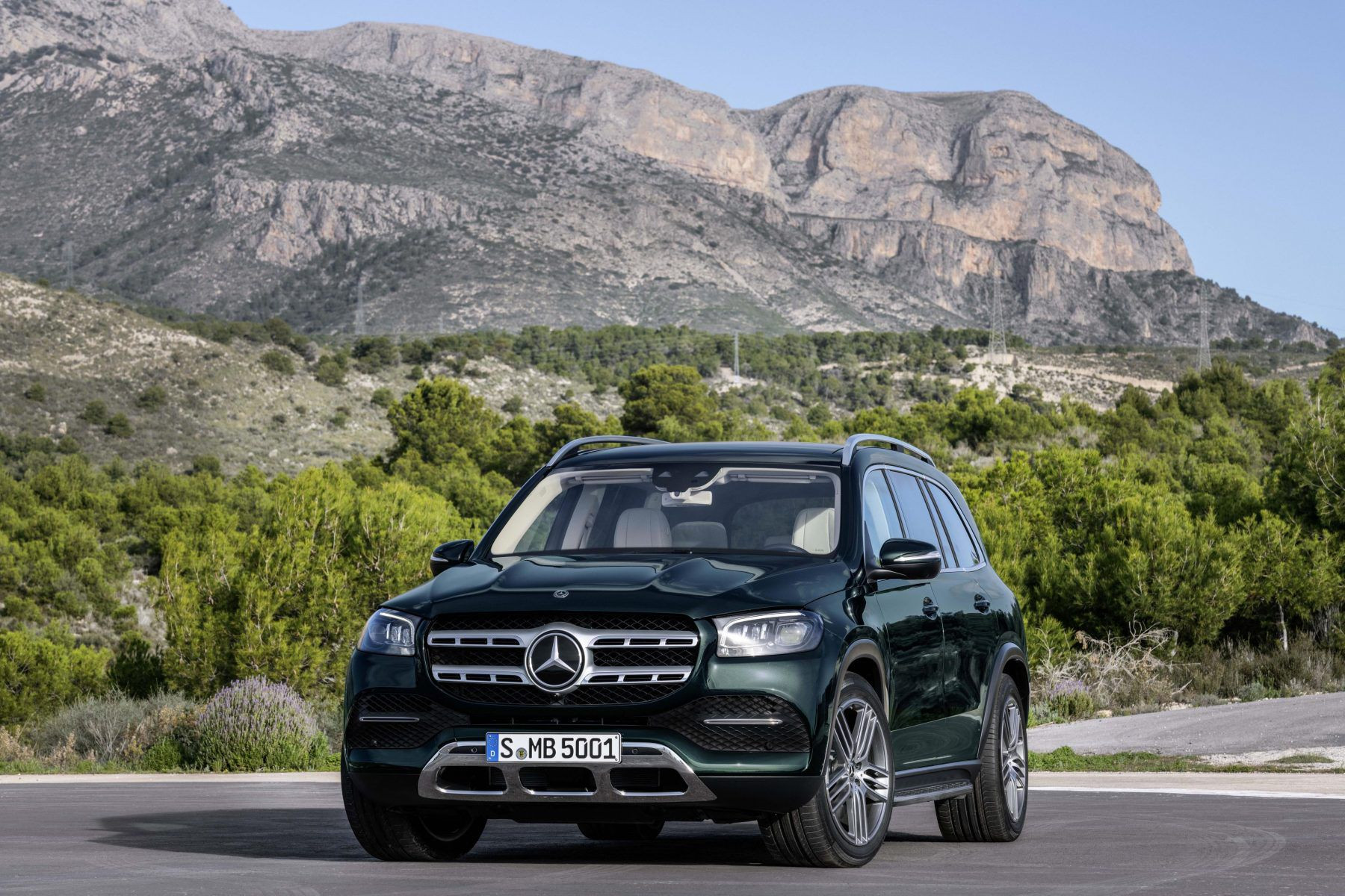 Mercedes GLS parking in front of mountains