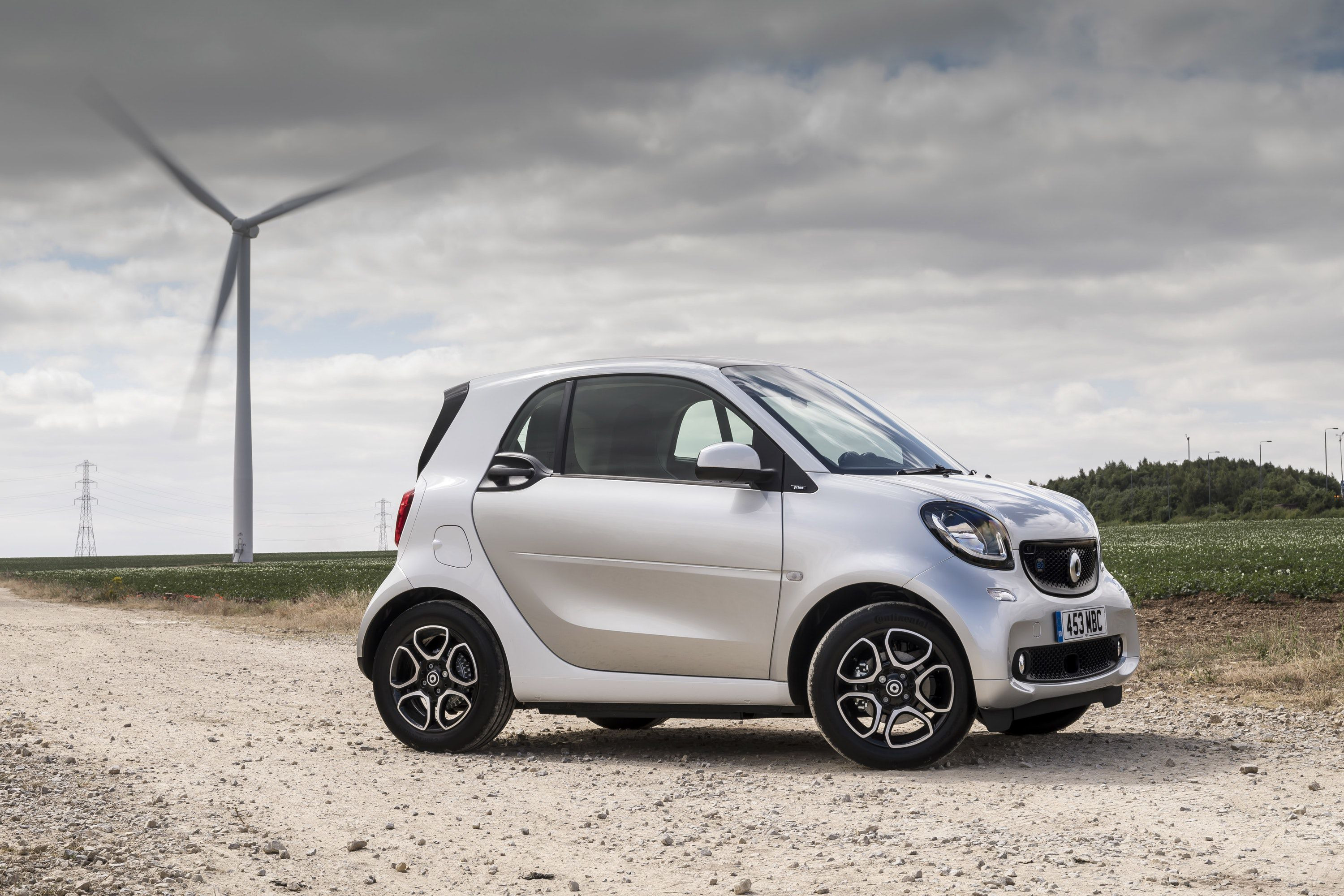 Side view of a Smart ForTwo