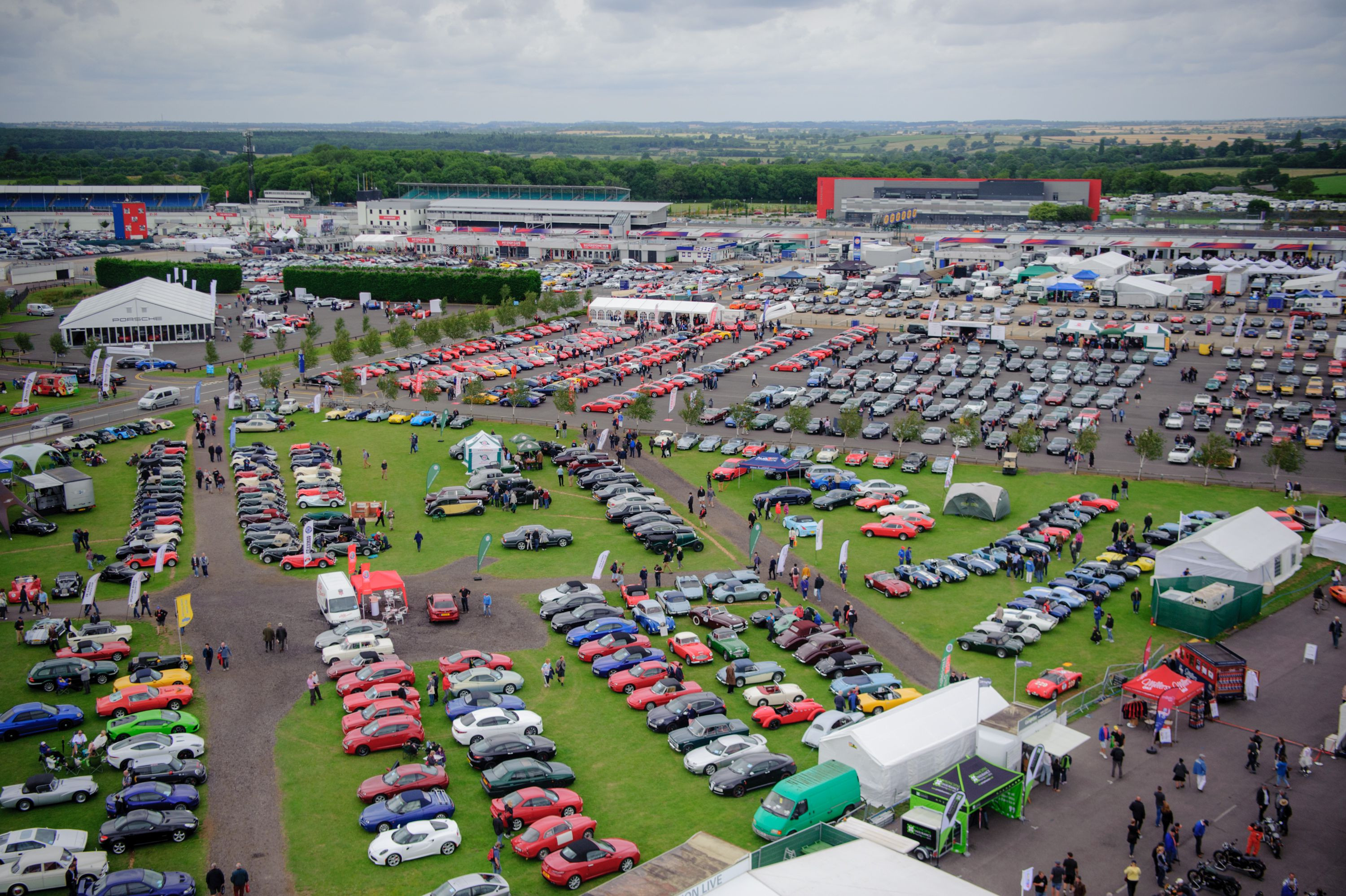 overview of car show