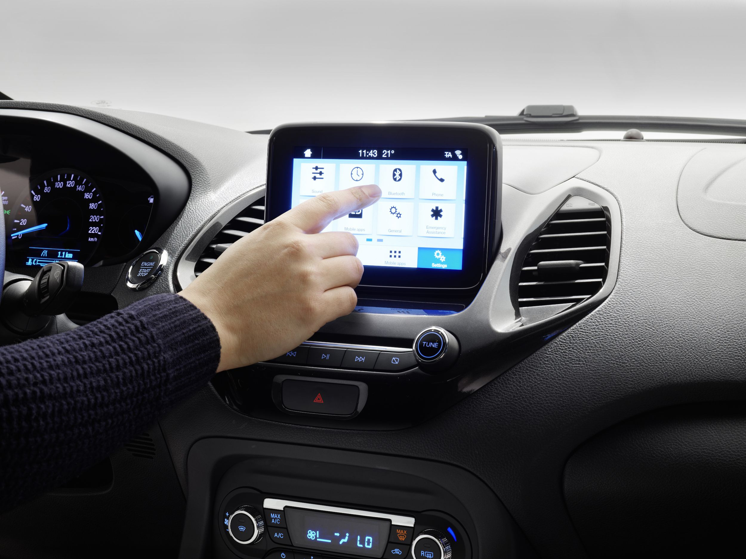 touch screen inside Ford KA + Active