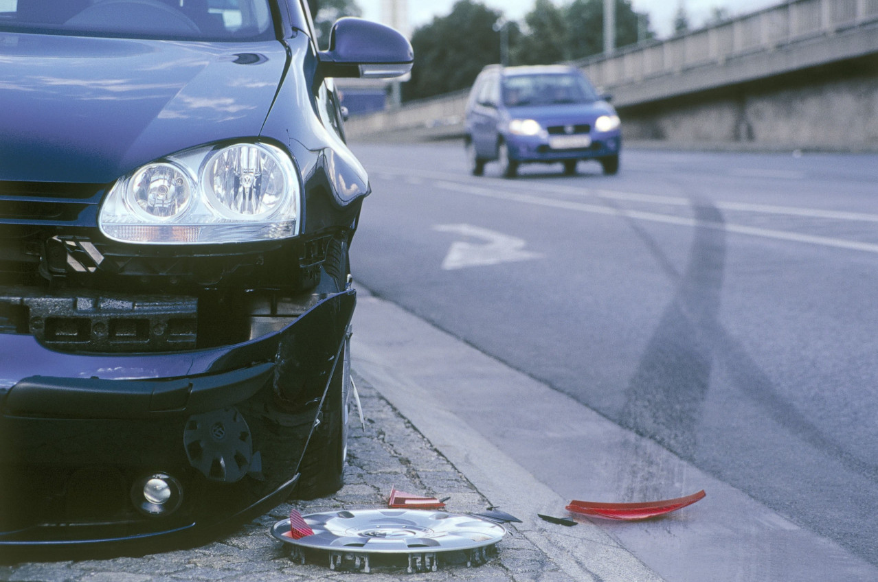 Wider cars mean increased chance of country road scrapes, insurer warns