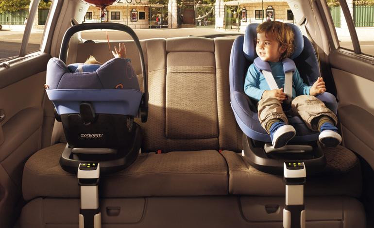 Rear facing and forward facing baby and child seats fitted with isofix