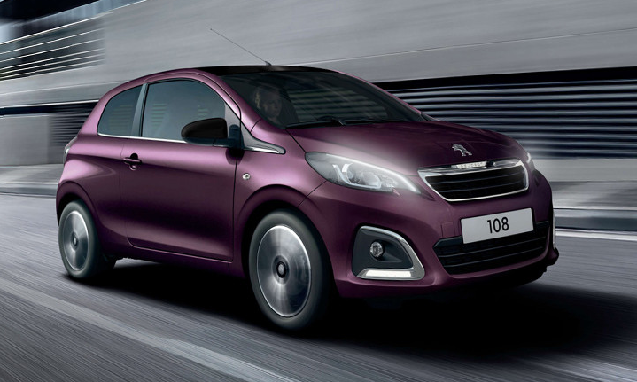 Purple Peugeot 108 driving quicky from left to right