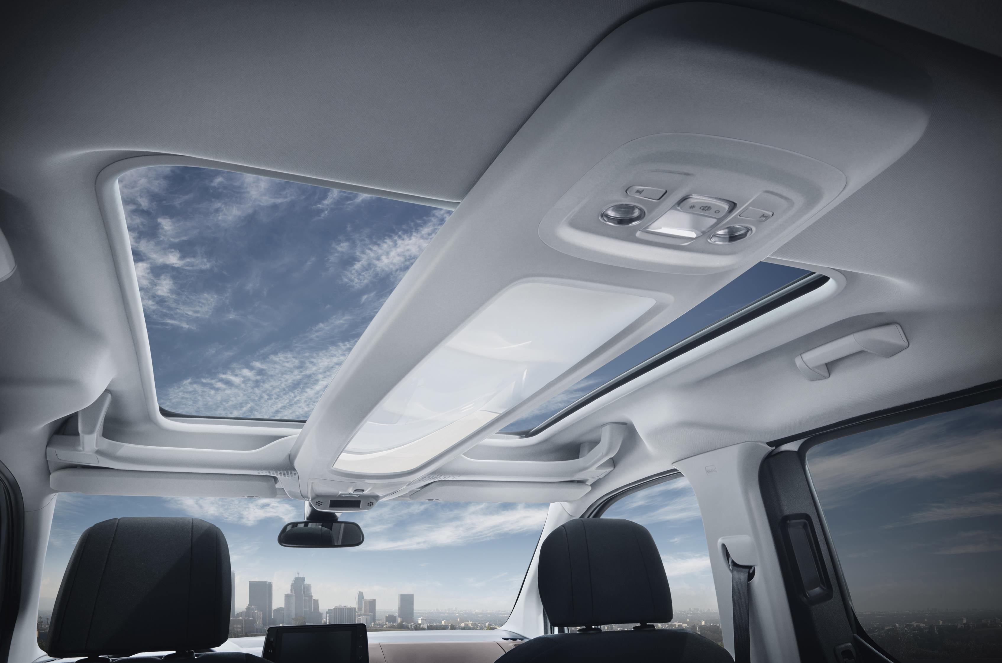 Interior of Peugeot Rifter with amazing view through the sunroof